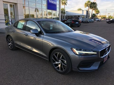New 2020 Volvo S60 T6 Momentum AWD 4D Sedan